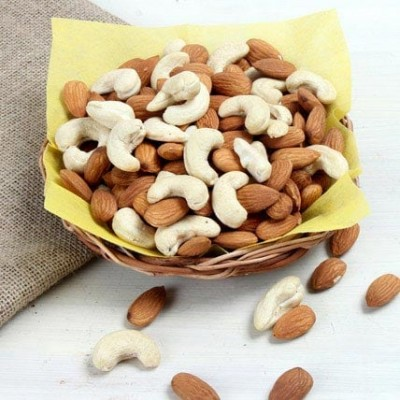 Box of half Kg mixed dry fruits.