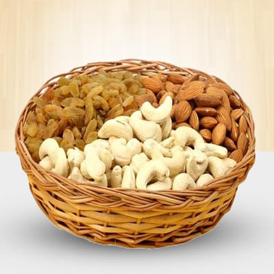 Basket of 1 Kg Mixed dry fruits.